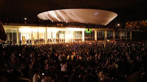O povo toma o Congresso Nacional - 17 de junho de 2013 - Foto: Leo_Djorus