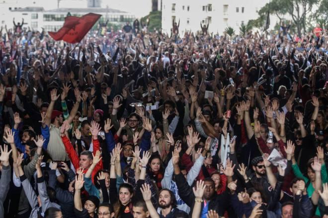 Professores da rede estadual de ensino de São Paulo aprovam continuidade da greve. Foto: Estadão.
