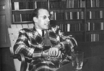 O livro foi lançado em 1979 e já se tornou parte da grade curricular de filosofia pelas universidades brasileiras.