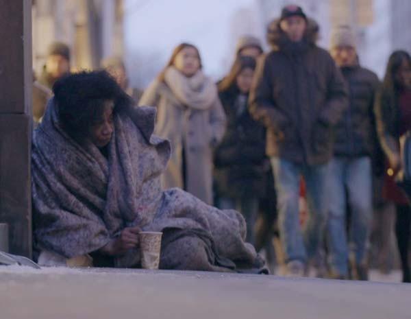 Número de pessoas sem-teto chega a 60 mil em Nova York, coincidindo com as baixas temperaturas históricas (Foto: BBC)